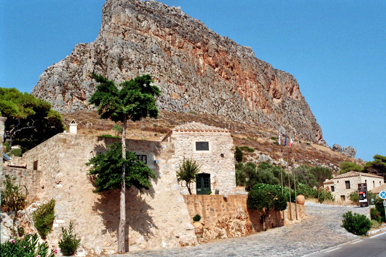 Das Felsmassiv von Monemvasia