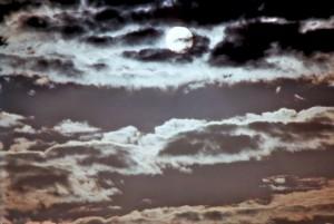 Verhangener Mond