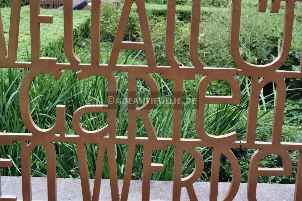 Im Christlichen Garten - GARTEN
