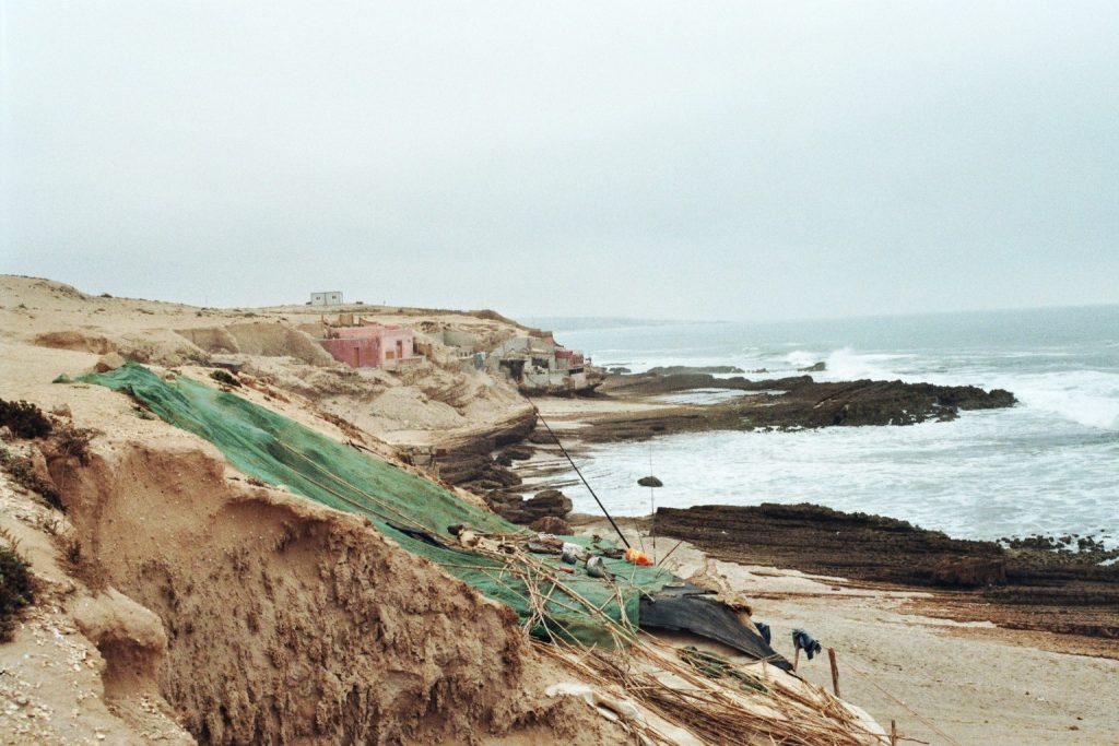 Fischernetze an der Steilküste