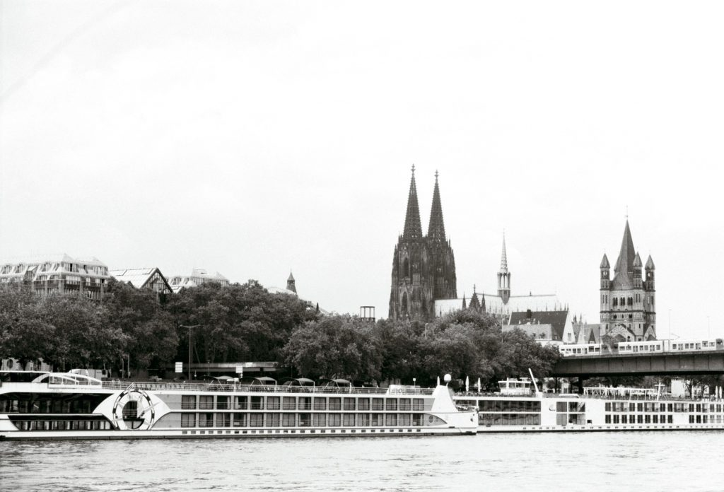 Köln (Rheinufer) in Monochrom architecture architecture & technique Köln Städte uncategorized
