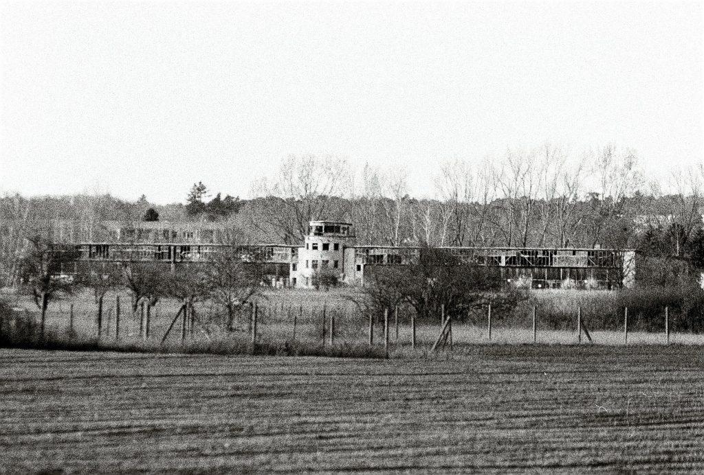 Altes Flugfeld der russischen Soldaten