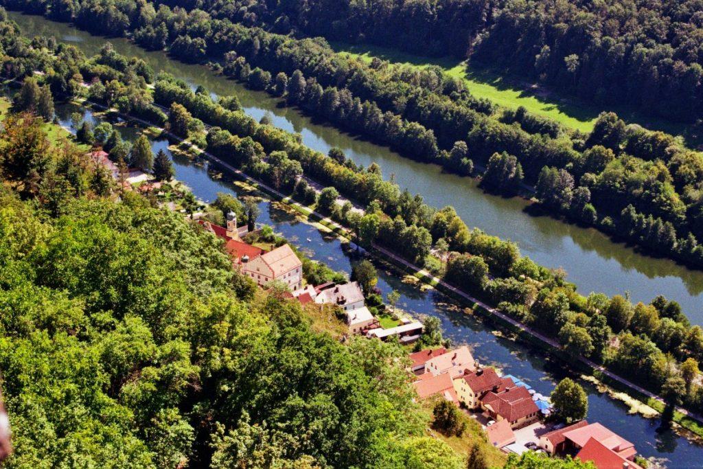 Naturpark Altmühltal (Kehlheim-Ihrlerstein-Essing-Riedenburg/ Bayern) Altmühltal Bayern Deutschland Europa miscellaneous nature gallery uncategorized Verwunschene Orte