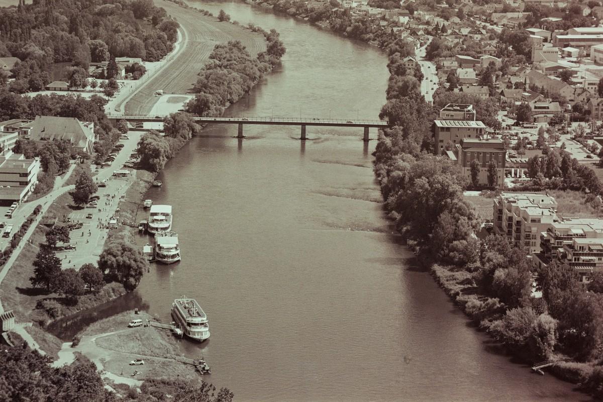 Blick auf die Dampferanlegestelle Kehlheim