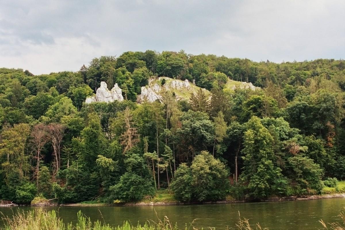 Felsmassiv an der Donau