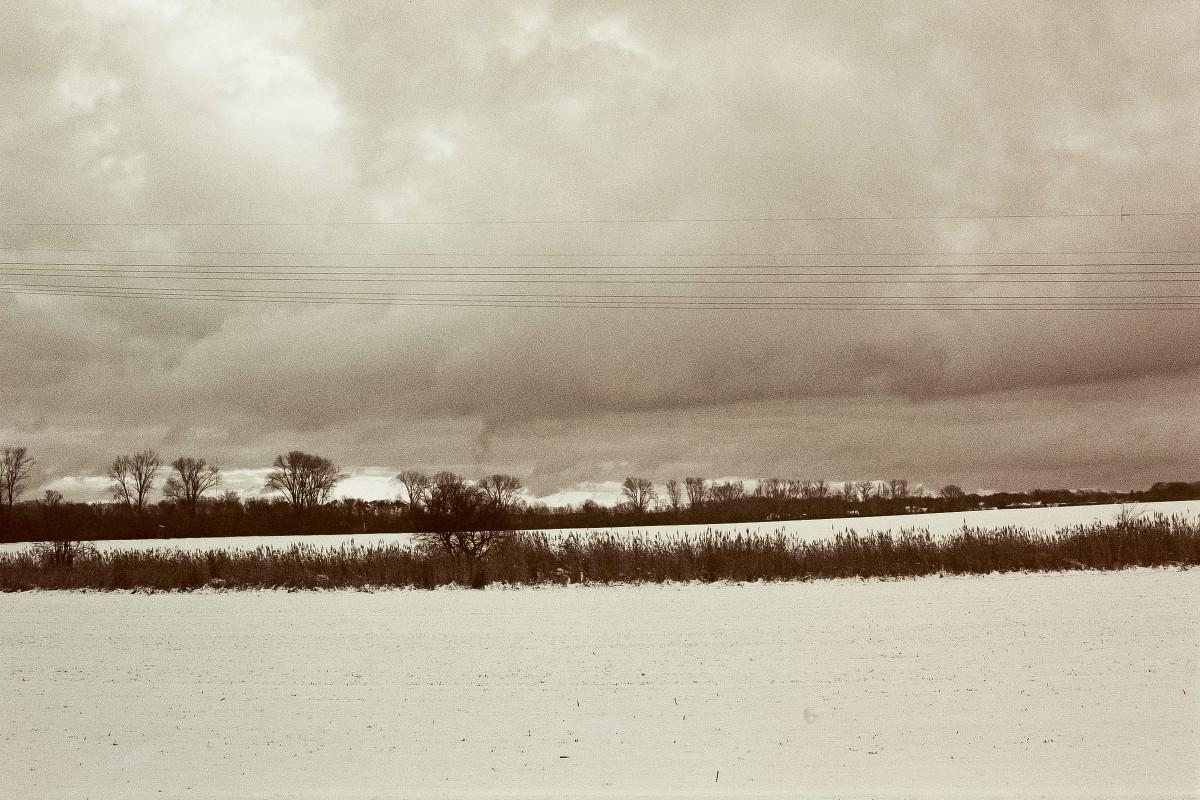 Landschaft mit Gewitterwolke